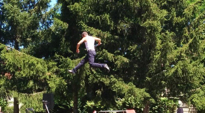 alixan_quel_cirque_trampoline
