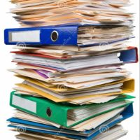 pile-de-documents-dossiers-112152155